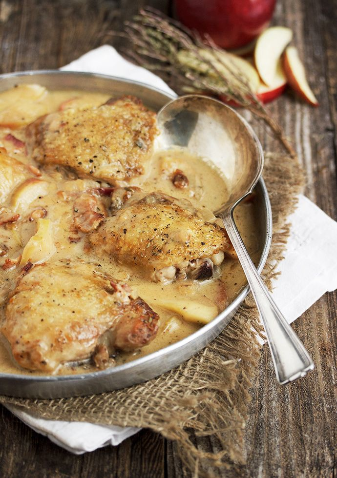 Rustic Chicken with Apples & Bacon
